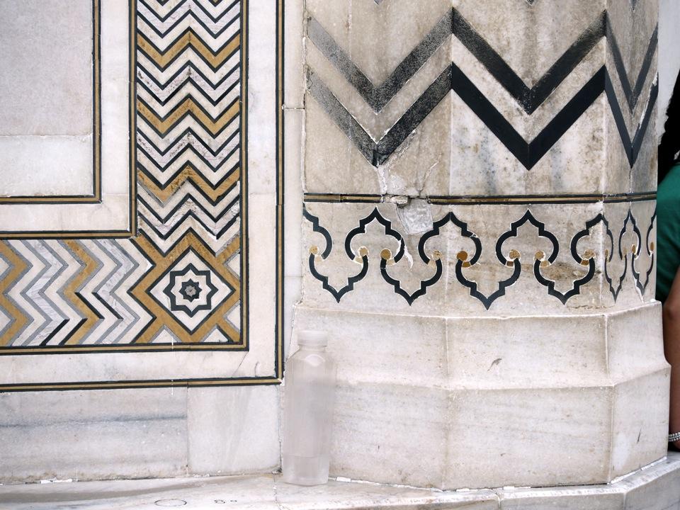 Marble geometrics. Taj.